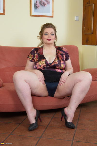 Busty latin playing with a robotic dildo 2